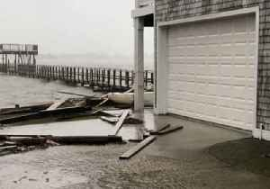 Wind, Water Still Heavy as Florence Slowly Moves Inland [Video]