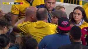 News video: Angry fan clashes with Wallabies
