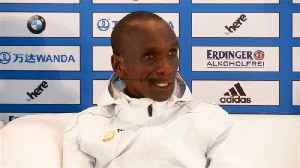 Kipchoge sets marathon world record while Cherono wins women's race in Berlin [Video]