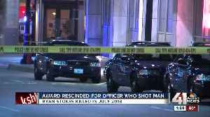Award for Kansas City officer who shot, killed man in 2013 rescinded, police say [Video]