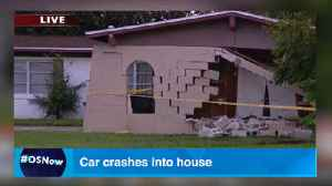 5-vehicle crash sends car into house [Video]