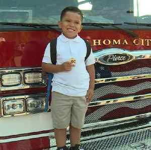 Oklahoma City boy recognized by firefighters for efforts to save mother [Video]