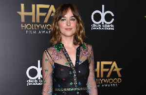 Dakota Johnson 'shocked' by Chris Hemsworth's body [Video]
