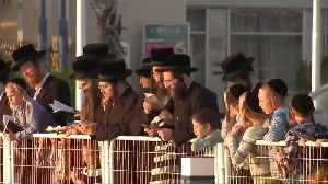 Waving chickens and emptying pockets - Jews prepare for Yom Kippur [Video]