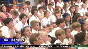 Students learn about the MS Aquarium [Video]