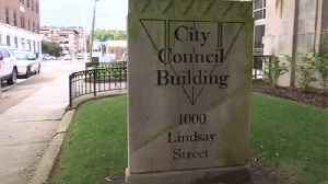 Chattanooga City Council votes to rename building after local icon [Video]
