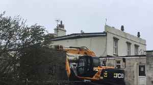 Resourceful Neighbors Use JCB to Hold Down Roof During Storm Ali [Video]