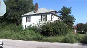 Homeowners fed up with an abandoned Terre Haute house [Video]