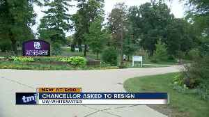 UW-Whitewater students stand by chancellor after husband accused of sexual harassment [Video]