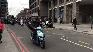Hundreds of UberEats Drivers Strike, Clog London Streets in Pay Protest [Video]