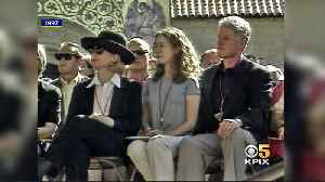 KPIX Throwback Thursday 1997: Chelsea Clinton Starts Class at Stanford University [Video]