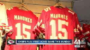 Mahomes mania: Kansas City Chiefs' fans buying QB's jersey in bulk ahead of home opener