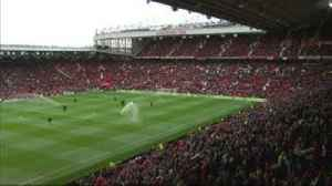 Fergie welcomed back to Old Trafford [Video]