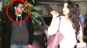 Jhanvi Kapoor spotted with SECRET friend at Arjun Kapoor's house; Watch Video | FilmiBeat [Video]