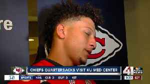 Mahomes, Chiefs visit KU Health System [Video]