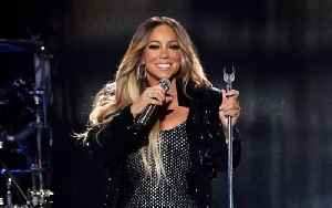Mariah Carey Performing at American Music Awards [Video]