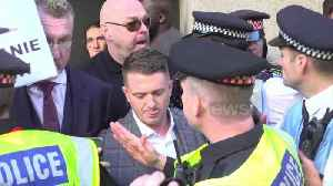 Chaotic scenes as Tommy Robinson enters court [Video]