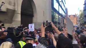 Chaos As Huge Crowd Greets Tommy Robinson At Old Bailey [Video]