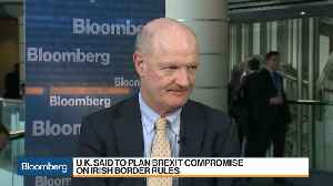 U.K.'s Willetts Sees Government Loyalty to Chequers Plan [Video]
