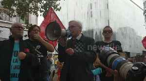 John McDonnell MP addresses demonstrators at fast food works 'McStrike' [Video]