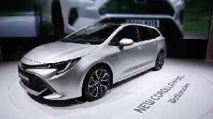 Toyota Corolla Touring Sport Hybrid Preview at 2018 Paris Motor Show [Video]