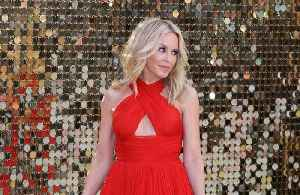 Kylie Minogue cancels shows due to throat infection [Video]