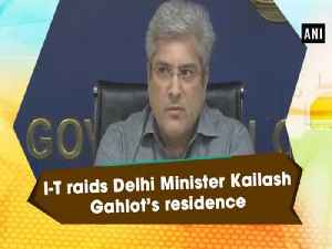 I-T raids Delhi Minister Kailash Gahlot's residence [Video]