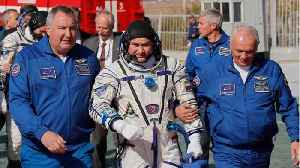 News video: Space Crew Survives Plunge To Earth After Russian Rocket Fails
