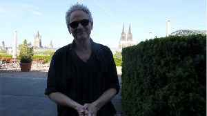 Fleetwood Mac Sued By Lindsey Buckingham After Being Kicked Off Tour [Video]