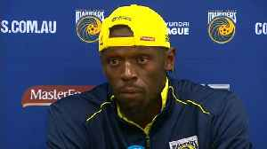 Usain Bolt fires two goals in Mariners trial [Video]