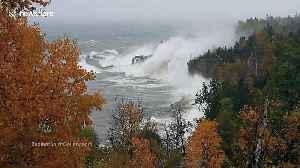 Incredible footage shows monster waves in Lake Superior lashing coast during storm [Video]
