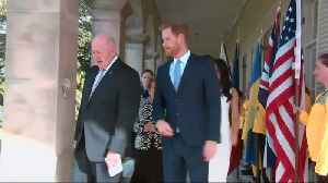 Harry, Meghan and bump greeted in Australia [Video]