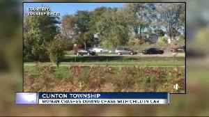 Video shows moment vehicle crashes, ending police chase in Clinton Township [Video]