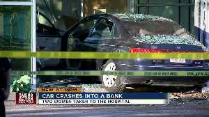 Car crashes into BB&T Bank in St. Pete, two injured [Video]