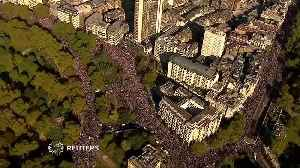 Thousands take to streets in London demanding second Brexit vote [Video]