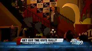 Giffords, Kelly hold gun control platform-focused election rally [Video]