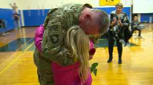 Lieutenant Colonel Surprises Daughter at School in Emotional Reunion [Video]