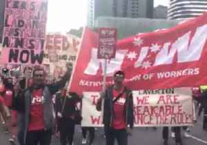 Thousands Rally in Melbourne for Pay Rise and Better Work Conditions [Video]