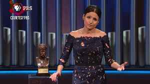 Julia Louis-Dreyfus Snags Comedy's Top Honor the Mark Twain Prize [Video]