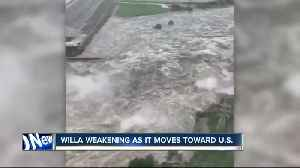 Willa makes landfall in Mexico, causes flooding [Video]
