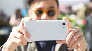 Does the Google Pixel 3 have the best smartphone camera? — Mashable Reviews [Video]