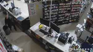 News video: Suspect wanted for theft at Detroit auto parts store