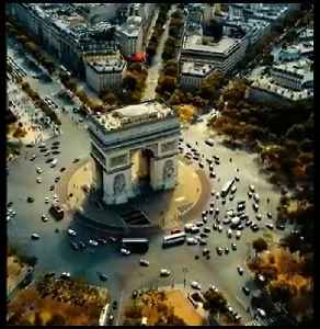 Even the traffic in Paris is beautiful 😍🇫🇷 [Video]