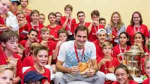 Roger Federer Hosts Pizza Party For Ball Boys & Girls To Celebrate Latest Win [Video]