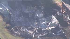 Helicopter crashes into mobile home park, setting homes on fire in Sebring, FL [Video]