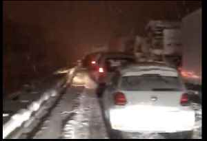 Heavy Snow Brings Traffic Chaos in South-Central France [Video]
