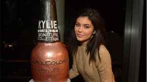 Kylie Jenner Drops Peach and Burgundy Palettes [Video]