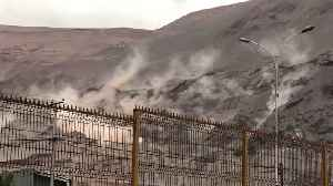 Magnitude 6.2 Earthquake Causes Landslide in Iquique, Chile [Video]
