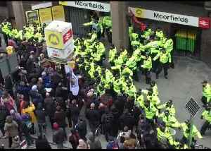 Far-Right Activists Unable to Hold Liverpool March Due to Counter-Protesters [Video]