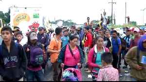 Migrant caravan: Mexico City bus offer withdrawn [Video]